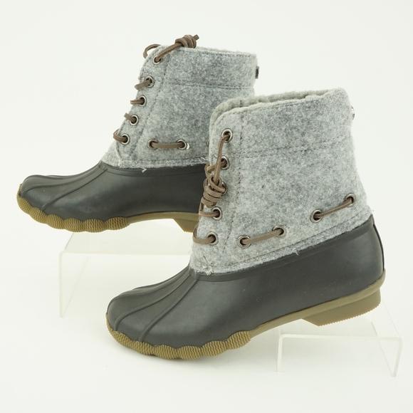 407c2c69cc5 Steve Madden Women s Torrent Short Rain Boots. M 5adedf2650687c72922cdca9